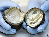 World's Oldest Cosmetic Cream Found in London!