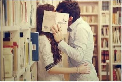 Reading actually does make you seem sexier, especially to women.