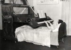 Piano That Can Be Played While Lying In Bed