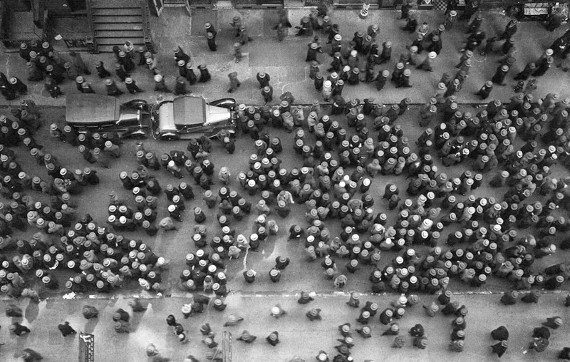 1939, a crowd in New York (there is not one unhatted head)