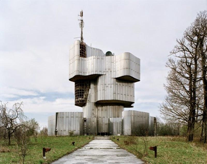 Spomeniks: the second world war memorials