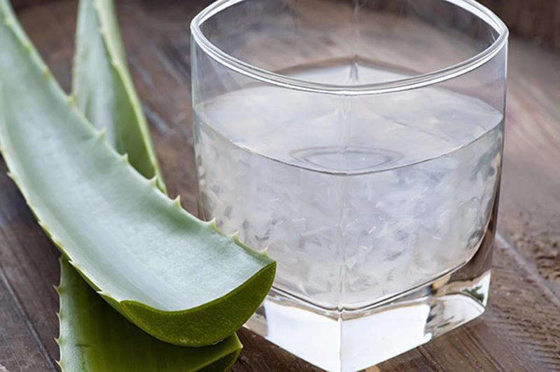 Aloe Vera and lemon juice to degrease hair