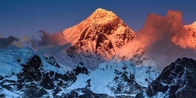 Mount Everest Grow Every Year