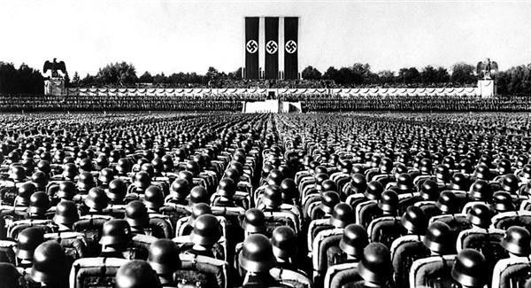 hitler role in the nazi state Hitler's role in the development of the you will see five statements on the role of the führer from ernst huber degree of chaos in the nazi state.