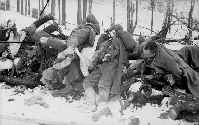 Dead Soviet soldiers