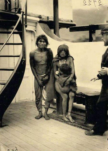 Selk'nam natives, 1889