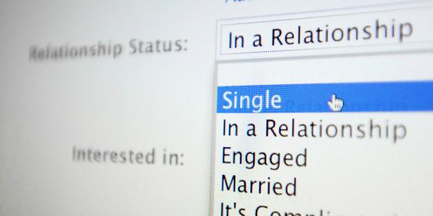 Facebook divorces