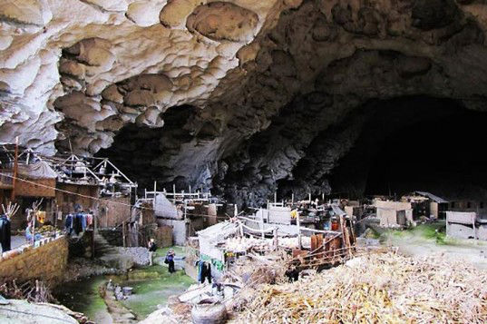 People live in caves in china