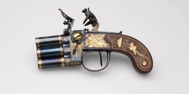 Three chamber box lock pistol