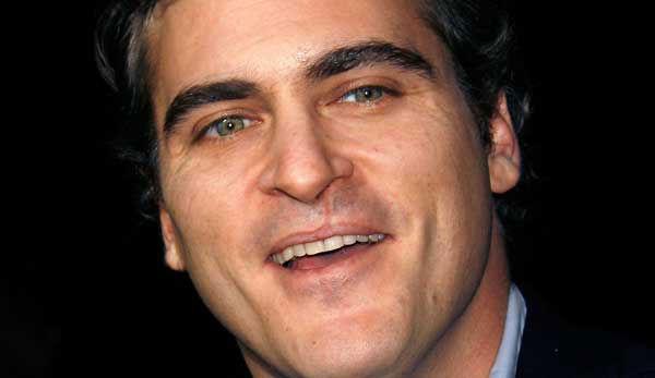 Joaquin Phoenix – Facial scar