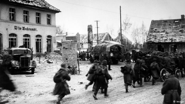 Red Army entering the German factions