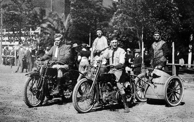 Motorcycle Chariot Racing 1920s