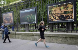 Publicly displayed pictures of WW1 battlefields after 100 years