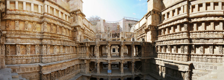 queens step well