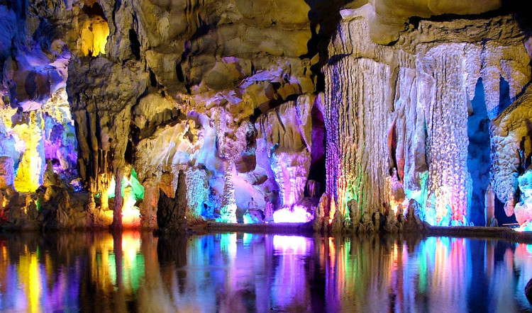 Red-Flute-Cave-Guilin-China.jpg