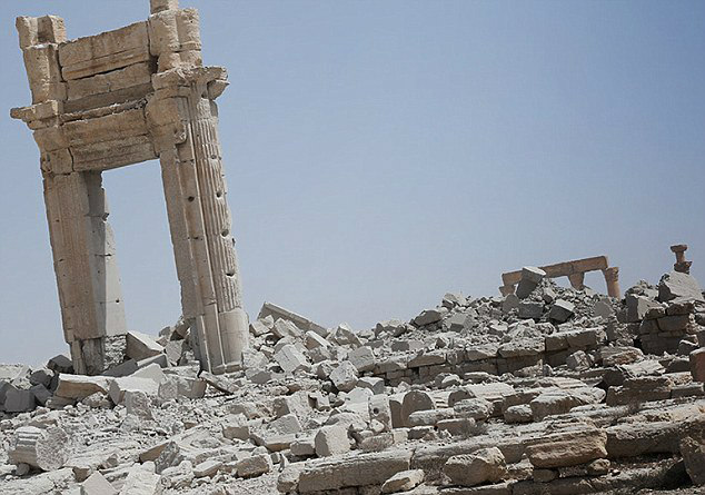 Palmyra - Before and After Syrian Civil War