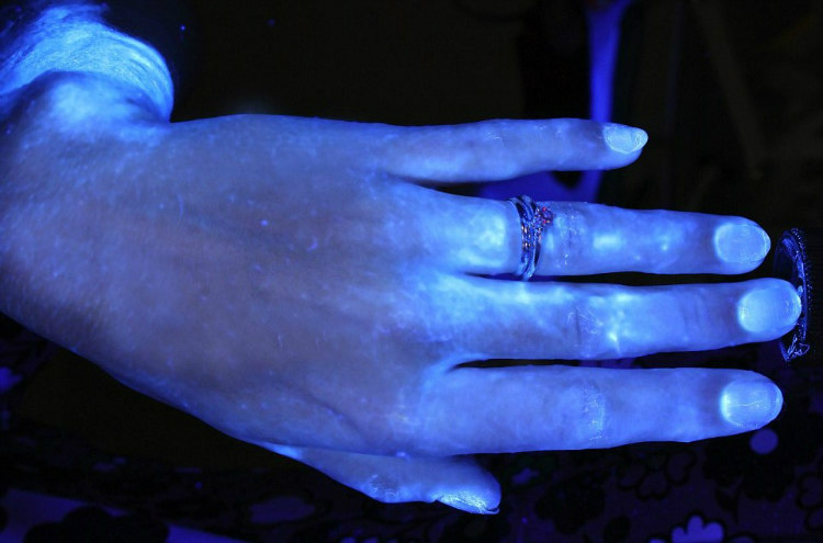 Hands and Hygiene - Tested with Glo Germ Gel Under UV Light (4)