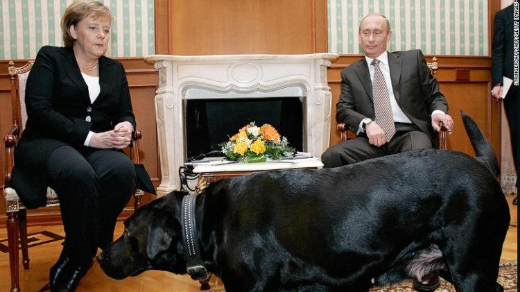 Vladimir Putin and Angela Markel