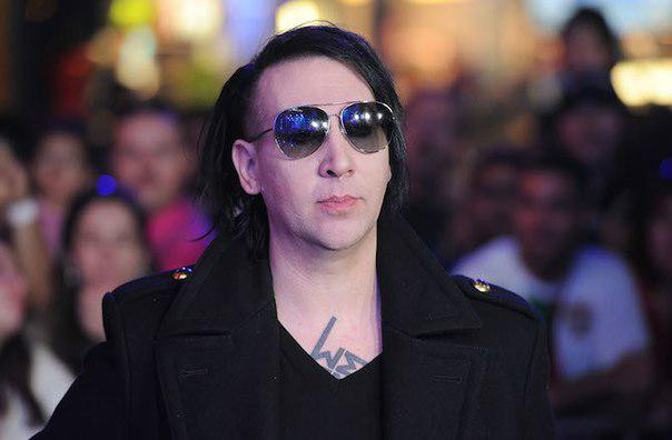 Marilyn Manson removed his ribs myth