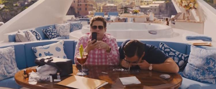 Jonah Hill and Leonardo DiCaprio, fake cocaine