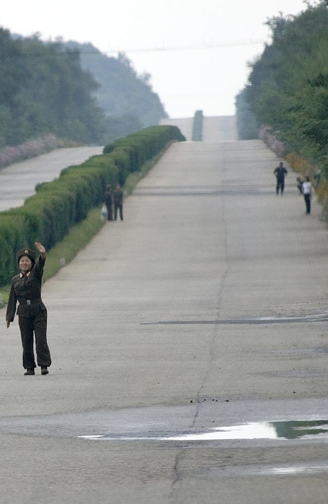 soldiers hitchhiking
