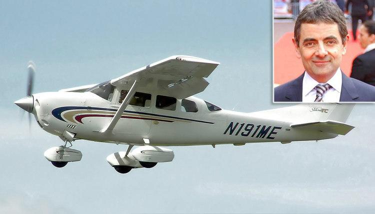 Rowan Atkinson's Plane Save
