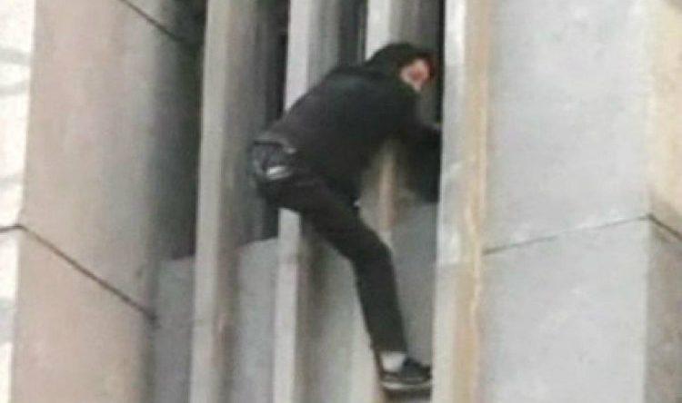 Thief stuck