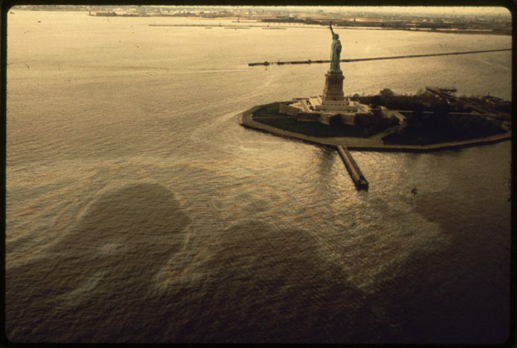 Oil Slick Surrounds Statue of Liberty
