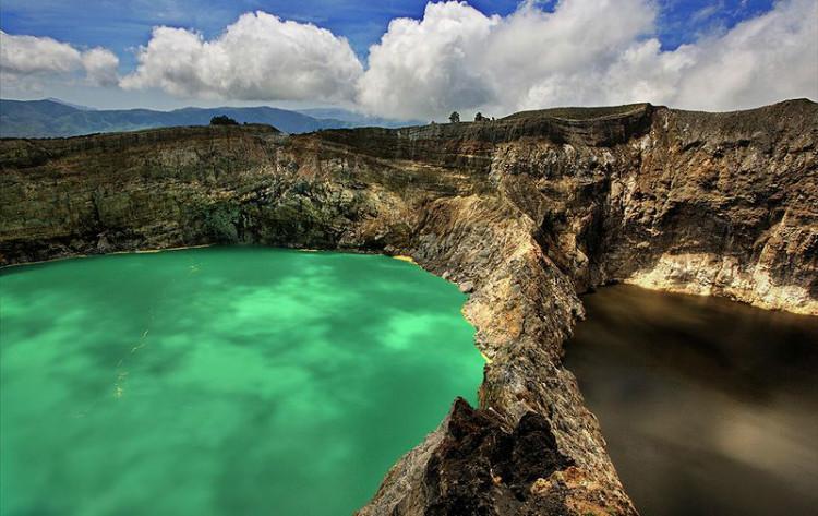 lakes at Mount Kelimutu