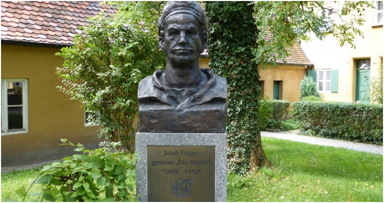 A statue commemorating Jakob Fugger, the founder of Fuggerei.