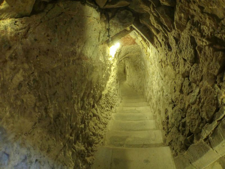 Steps Downwards, Derinkuyu Underground City