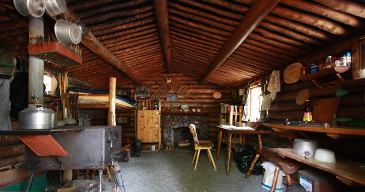 The interior of Richard Proenneke's cabin